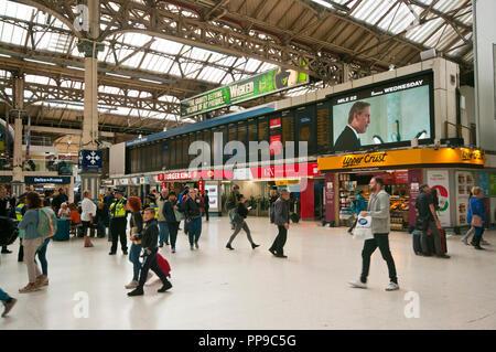 Inside Of Victoria Railway Station London England UK - Stock Image