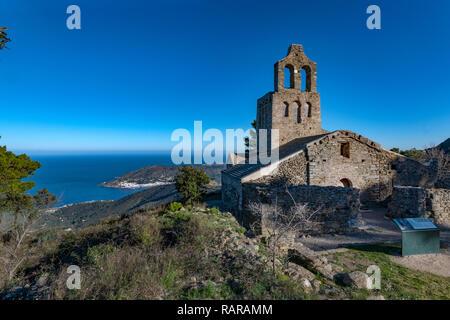 Monasterio de Sant Pere de Rodes; Imposing, medieval, Romanesque monastery & church ruins set on a mountain top. - Stock Image