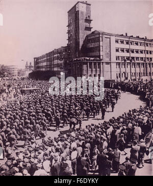 733. Russia. Moscow victory parade of captured German soldiers of Field Marshall  Paulus doomed German army July - Stock Image