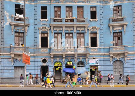 Peru, Lima, Busy 2 De Mayo Square - Stock Image