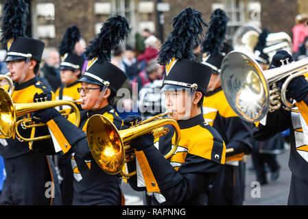 Mountain View High School Spartan Marching Band from California, USA, at London's New Year's Day Parade, UK. Musicians marching in uniform - Stock Image