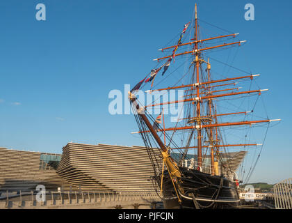 The historic sailing ship RRS Discovery with the new V&A Museum in the background at the Dundee waterfront in Tayside, Scotland - Stock Image