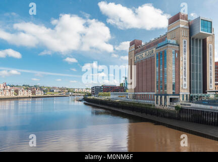 Looking eastwards along the River Tyne with the Baltic Centre for Contemporary Art on the right bank, Newcastle - Stock Image
