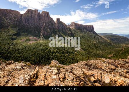 Mount Geryon and the Acropolis in Cradle Mountain–Lake St Clair National Park, Tasmania - Stock Image