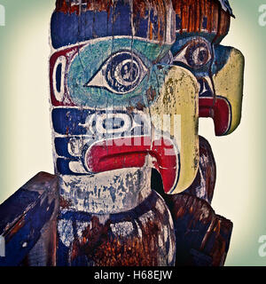 Native Birds Photography of First Nation Sculpture from Alert Bay - Stock Image