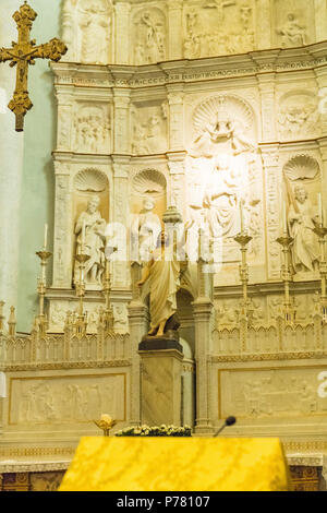 Italy Sicily medieval walled town Erice Monte San Giuliana La Real Chiesa Madrice Insigne Collegiata Mother Church Chiesa Madre built 1314 main apse - Stock Image