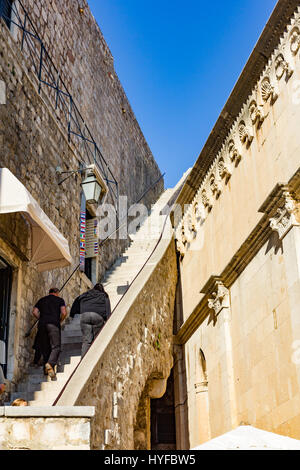 Stone starways in lanes in the old city in Dubrovnik - Stock Image