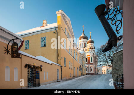 Winter morning in Tallinn old town with the  Alexander Nevsky orthodox church in the distance. - Stock Image