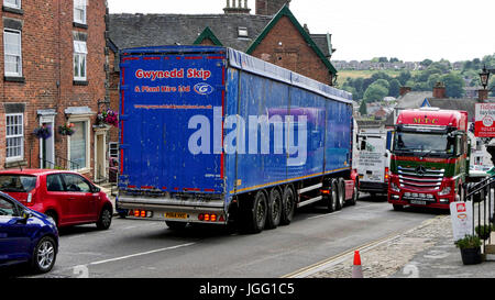 Ashbourne, UK. 06th July, 2017. Traffic congestion chaos on the A515 in Ashbourne Derbyshire the day the Government - Stock Image