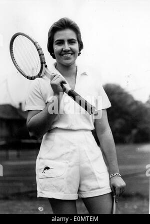Jun 11, 1956; London, UK; Tennis Player AMAYA BELAUSTEGUIGOITA of Mexico City . APRESS - Stock Image