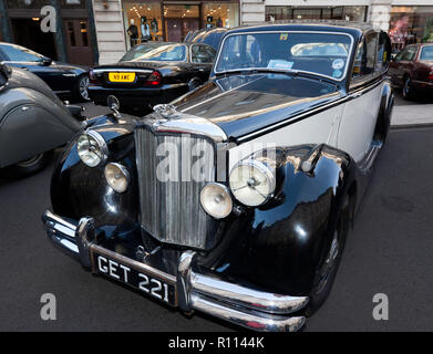 Three-quarter front view of a 1950 Jaguar Mark V Saloon, on display at the Regents Street Motor Show 2018 - Stock Image