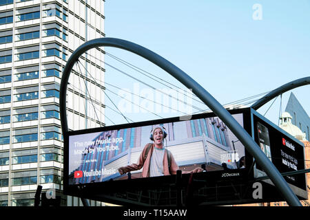 Electronic advert screen at Old Street roundabout In London EC1 England UK  KATHY DEWITT - Stock Image