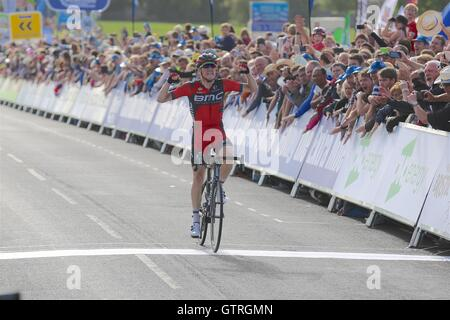 Bristol, UK.  10th September 2016. Tour of Britain stage 7b, circuit race. Rohan Dennis of BMC wins the stage, while - Stock Image