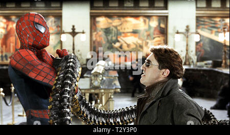 TOBEY MAGUIRE, ALFRED MOLINA, SPIDER-MAN 2, 2004 - Stock Image