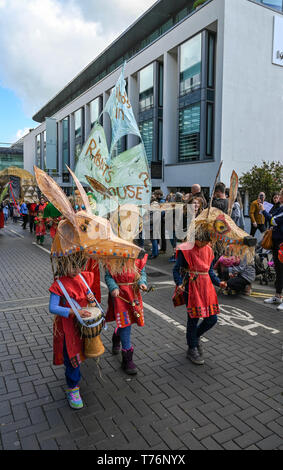 Brighton UK 4th May 2019 - The Waldorf  School  takes part in the annual Brighton Festival Children's Parade through the city which has the theme 'Folk Tales from Around the World' . Organised by the Same Sky arts group the parade traditionally kicks off the 3 week arts festival with this years guest director being the singer songwriter Rokia Traore . Credit : Simon Dack / Alamy Live News - Stock Image