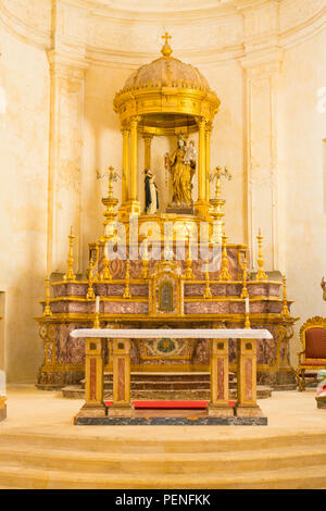 Italy Sicily ancient Netum Noto Antica Mount Alveria rebuilt after 1693 earthquake Church Chiesa di San Domenico apse nave altar Mother & Child - Stock Image