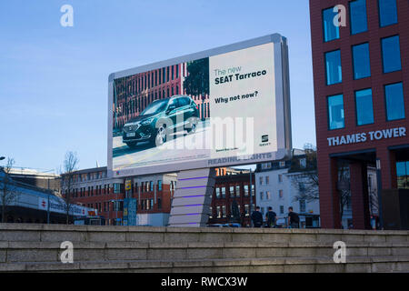 'Reading Lights', the new giant  illuminated LED billboard outside Reading Station, Berkshire, here advertising the new Seat Tarraco. - Stock Image