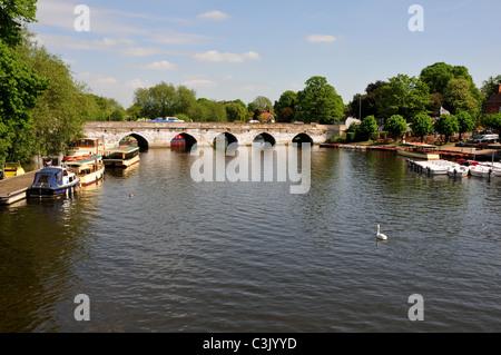 Road bridge over River Avon, Stratford upon Avon, Warwickshire - Stock Image