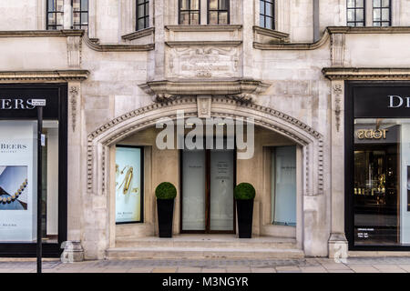 De Beers jewellers, Old Bond Street, London, England. Building 'The Corner', Italianate style - Stock Image