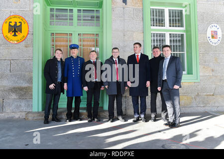 Zelezna Ruda, Czech Republic. 18th Jan, 2019. Czech Foreign Minister Tomas Petricek (5th from left) meet with Mayor of Bayerisch Eisenstein (Germany) Charly Bauer (6th from left), Mayor of Zelezna Ruda (Czech) Filip Smola (left), Bavarian Minister of Federal and European Affairs Florian Herrmann (4th from left) and Lower Bavarian politician Heinrich Schmidt (3rd from left) on January 18, 2019, in Zelezna Ruda, Czech Republic. Credit: Miroslav Chaloupka/CTK Photo/Alamy Live News - Stock Image