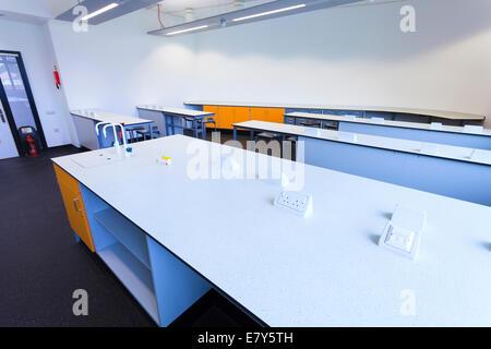 Unoccupied science classroom st Teddington Sixth Form College. - Stock Image