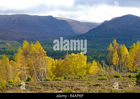 The Lairig Gru Pass that runs North South through the Cairngorms mountains in Scotland - Stock Image