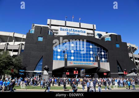 Charlotte, North Carolina. People on their way to a Carolina Panther's game at Bank of America stadium. - Stock Image
