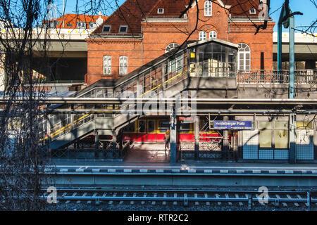 Berlin-Wilmersdorf. CLUB EMPIRE Berlin opened in October 2015 in the historic old S-Bahn station building at Heidelberger Platz. - Stock Image