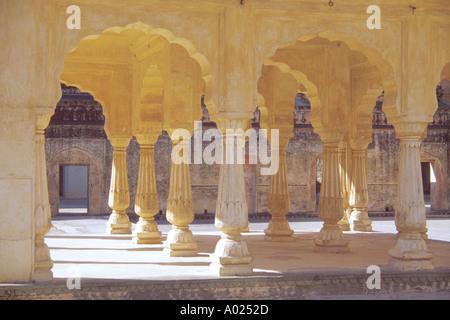 Collonnades Amber Fort, Jaipur, Rajasthan, India - Stock Image