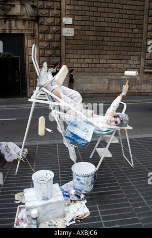 Spanien Barcelona Ramblas street artist painter relaxing - Stock Image