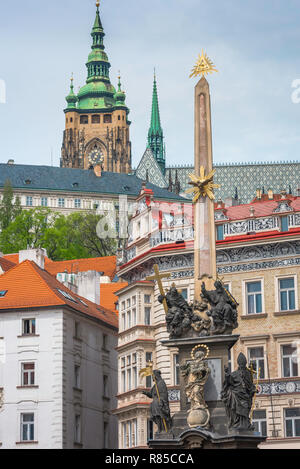 Baroque Prague, view of the 17th century Plague Monument and Baroque buildings sited in Malostranske Namesti in the Mala Strana area of Prague. - Stock Image