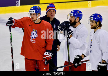 Bratislava, Slovakia. 20th May, 2019. L-R Forward Jakub Vrana, coach assistant Robert Reichel and forwards Milan Gulas and Michael Frolik attend a training session of the Czech national team prior to tomorrow's match against Switzerland at the 2019 IIHF World Championship in Bratislava, Slovakia, on May 20, 2019. Credit: Vit Simanek/CTK Photo/Alamy Live News - Stock Image