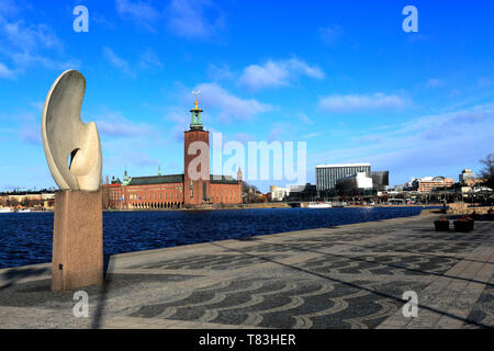 Sculpture, Evert Taube terrace, Riddarholmen area of Stockholm City, Sweden, Europe - Stock Image