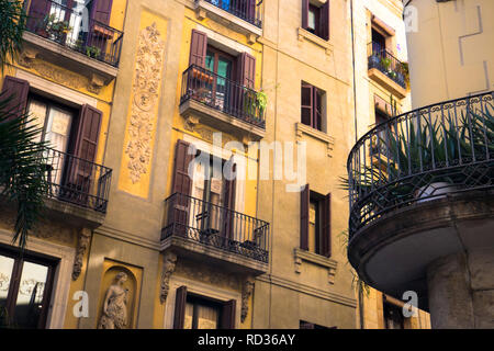 Building on a Barcelona street - Stock Image