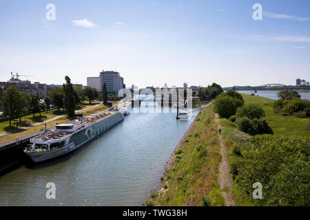 the Rhine harbor in the district Deutz, on the right the river Rhine, view to the south, Cologne, Germany.  der Deutzer Hafen, rechts der Rhein, Blick - Stock Image