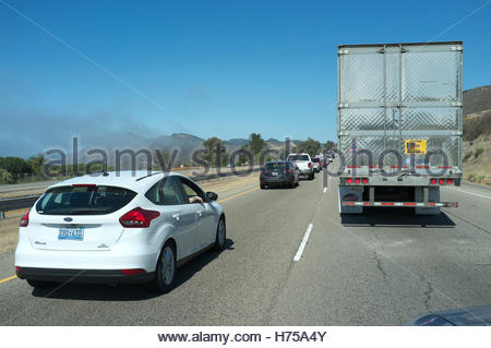 Traffic congestion (due to accident), northbound on the Highway 101, near Pismo in California, USA. - Stock Image