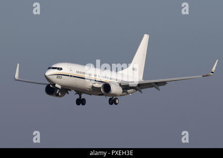 Boeing C-40A Clipper landing at RAF Mildenhall whilst working a cargo flight for the US Navy. - Stock Image