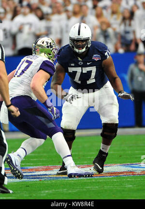 Glendale, AZ, USA. 30th Dec, 2017. Chasz Wright #77 of Penn State during the Playstation Fiesta Bowl college NCAA - Stock Image