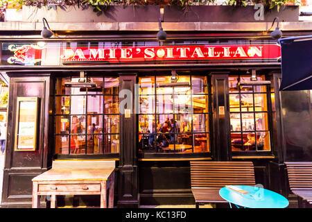 Jamie's Italian London, Jamies Italian Restaurant London, Jamie Oliver Italian Restaurant, Jamie Olivers Italian - Stock Image
