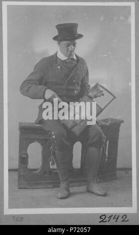 3 Hiiukandle mängija., AM 12854-169 F 5496-169 - Stock Image