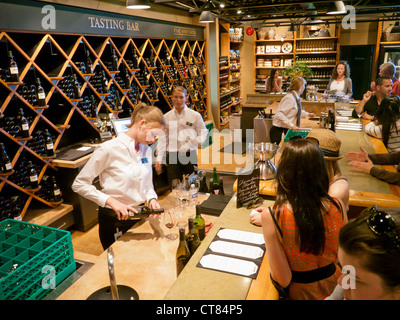 The Tasting Bar at the Mission Hill winery in the Okanagan valley Canada - Stock Image