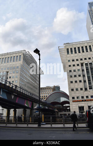 London - Heron Quays Docklands Light Railway Station, Canary Wharf - Stock Image