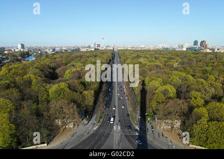View from the Victory Column (Siegesäule) to the Brandenburger Tor in the direction Alexanderplatz. - Stock Image
