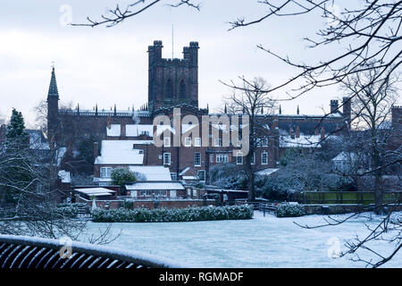 Chester, Cheshire, UK. 30th December 2018. Chester Cathedral and surrounding buildings covered in snow. Credit: Andrew Paterson/Alamy Live News - Stock Image