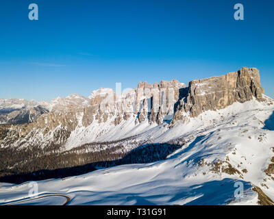 Scenic view of Lastoi de Formin peaks, in Passo Giau, high alpine pass near Cortina d'Ampezzo, Dolomites, Italy - Stock Image