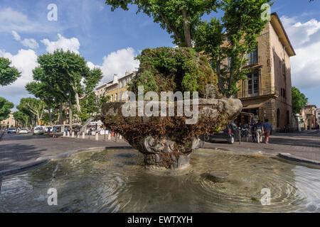 Cours Mirabeau, Fountain, Aix en Provence, France - Stock Image