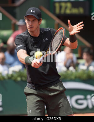 Paris. 25th May, 2016. Andy Murray (GBR) defeated Mathias Bourgue (FRA) 2-6, 6-2, 4-6, 6-3, at the Roland Garros - Stock Image