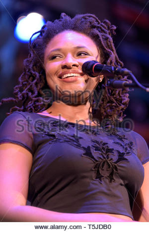 American singer Lizz Wright performing at the Cheltenham Jazz Festival, 2016 - Stock Image