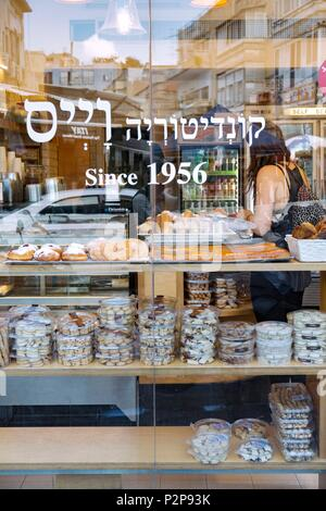 Israel, Tel Aviv, Dizengoff district, pastry - Stock Image