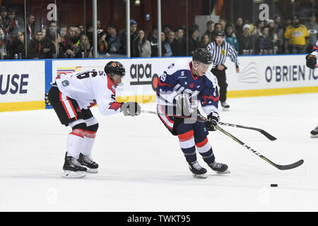 Melbourne, Australia. 21st June 2019, O'Brien Group Arena, Melbourne, Victoria, Australia; 2019 Ice Hockey Classic, Canada versus USA; Johnny Austin of USA moves the puck towards goal Credit: Action Plus Sports Images/Alamy Live News - Stock Image